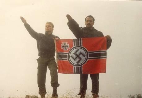 Xrysavgites-nazistikoi-xairetismoi-9-570